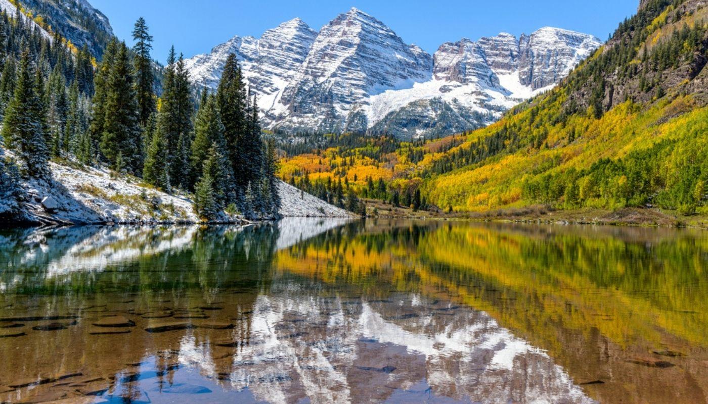 Maroon Bells and Maroon Lake in Aspen Colorado
